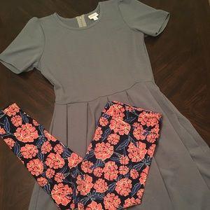 Adorable LuLaRoe XL Amelia & TC leggings outfit